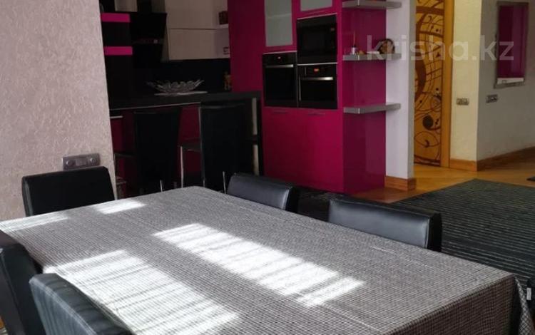 3-комнатная квартира, 105 м², 4/9 этаж помесячно, Достык 250 за 420 000 〒 в Алматы, Медеуский р-н