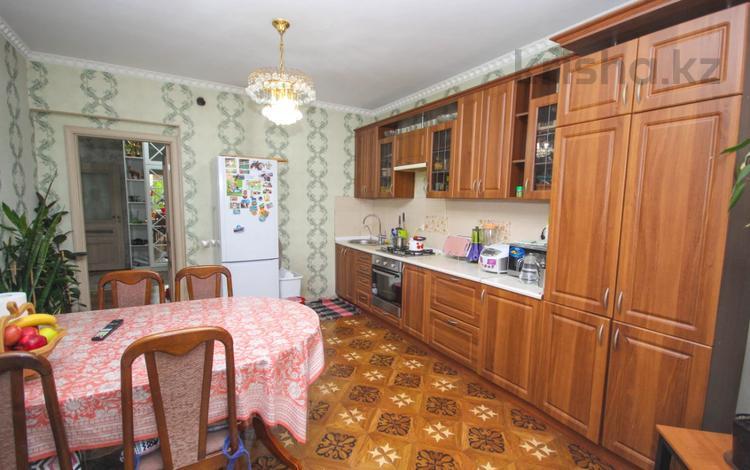 2-комнатная квартира, 72 м², Навои за 35 млн 〒 в Алматы, Бостандыкский р-н