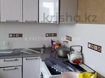 1-комнатная квартира, 40 м², 10/12 этаж помесячно, Сакена Сейфуллина 41 — Аймауытова за 120 000 〒 в Нур-Султане (Астана) — фото 2