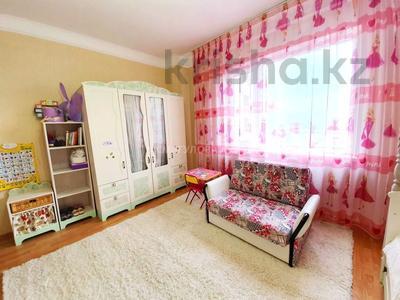 4-комнатная квартира, 140 м² помесячно, Шокана Валиханова 12 за 200 000 〒 в Нур-Султане (Астана) — фото 15