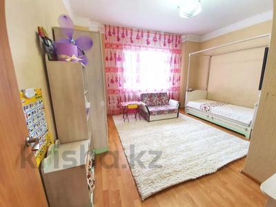 4-комнатная квартира, 140 м² помесячно, Шокана Валиханова 12 за 200 000 〒 в Нур-Султане (Астана) — фото 16