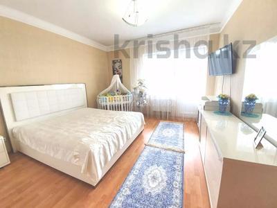 4-комнатная квартира, 140 м² помесячно, Шокана Валиханова 12 за 200 000 〒 в Нур-Султане (Астана) — фото 7