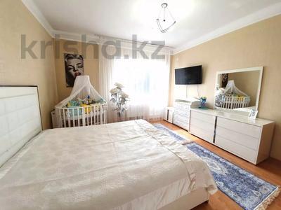4-комнатная квартира, 140 м² помесячно, Шокана Валиханова 12 за 200 000 〒 в Нур-Султане (Астана) — фото 8