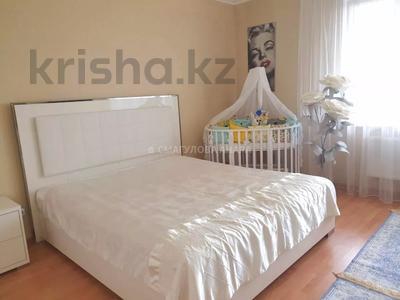4-комнатная квартира, 140 м² помесячно, Шокана Валиханова 12 за 200 000 〒 в Нур-Султане (Астана) — фото 9