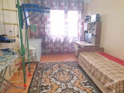 4-комнатная квартира, 140 м² помесячно, Шокана Валиханова 12 за 200 000 〒 в Нур-Султане (Астана) — фото 12