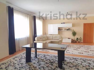 4-комнатная квартира, 140 м² помесячно, Шокана Валиханова 12 за 200 000 〒 в Нур-Султане (Астана) — фото 3