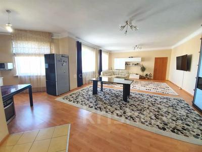 4-комнатная квартира, 140 м² помесячно, Шокана Валиханова 12 за 200 000 〒 в Нур-Султане (Астана) — фото 6