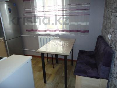 1-комнатная квартира, 41 м², 10/12 этаж посуточно, 15 микрорайон 20 за 6 000 〒 в Семее — фото 9
