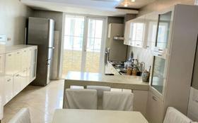 5-комнатная квартира, 200 м², 10/10 этаж помесячно, Розыбакиева 285А — Аль-Фараби за 450 000 〒 в Алматы, Бостандыкский р-н