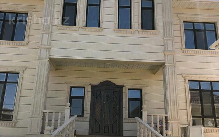 8-комнатный дом, 500 м², 10 сот., мкр Северо-Восток за 200 млн 〒 в Шымкенте, Енбекшинский р-н