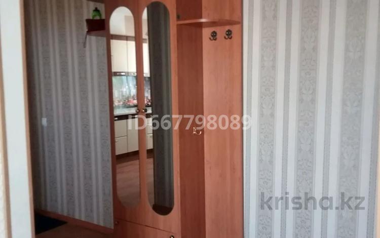 3-комнатная квартира, 61 м², 8/9 этаж на длительный срок, улица Жалела Кизатова 9д за 120 000 〒 в Петропавловске