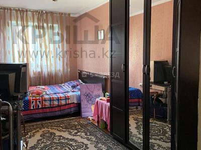3-комнатная квартира, 58 м², 4/4 этаж, мкр №1, Мкр №1 53 за 18.5 млн 〒 в Алматы, Ауэзовский р-н — фото 3