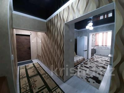 2-комнатная квартира, 69 м², 1/5 этаж посуточно, проспект Абая 159 за 10 000 〒 в Таразе — фото 10