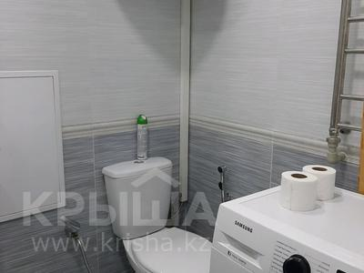 2-комнатная квартира, 69 м², 1/5 этаж посуточно, проспект Абая 159 за 10 000 〒 в Таразе — фото 15