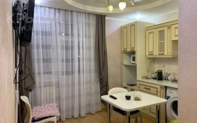 1-комнатная квартира, 35 м², 10/18 этаж помесячно, 38-ая 30 за 95 000 〒 в Нур-Султане (Астана), Есиль р-н