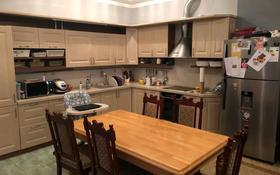 5-комнатный дом помесячно, 300 м², Кыз Жибек 2 за 1 млн 〒 в Нур-Султане (Астана), Есиль р-н