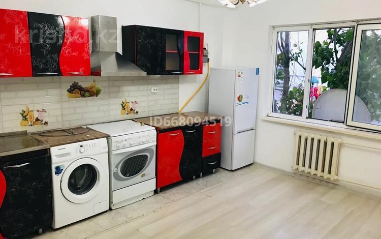 1-комнатная квартира, 43 м², 1/5 этаж, мкр Нурсая 46 за 13 млн 〒 в Атырау, мкр Нурсая