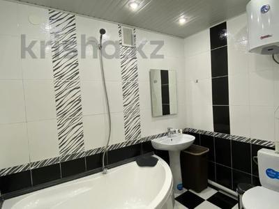 2-комнатная квартира, 45 м², 3/5 этаж посуточно, Казыбек би 179 — проспект Жамбыла за 13 000 〒 в Таразе — фото 6