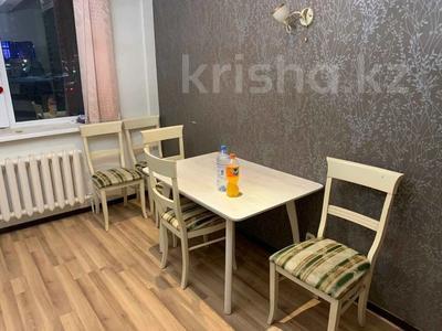 2-комнатная квартира, 80 м², 2/12 этаж, Кабанбай батыра 40 за 24 млн 〒 в Нур-Султане (Астана), Есиль р-н