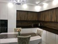 3-комнатная квартира, 120 м², 3/9 этаж на длительный срок, улица Азербайжана Мамбетова 8 за 280 000 〒 в Нур-Султане (Астане)