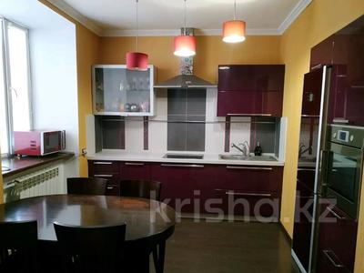 3-комнатная квартира, 85 м², 1/2 этаж, Жамбыла — Поспелова за 15 млн 〒 в Караганде, Казыбек би р-н