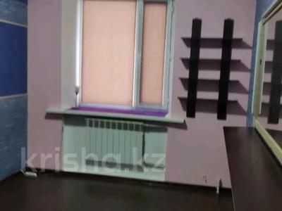 3-комнатная квартира, 85 м², 1/2 этаж, Жамбыла — Поспелова за 15 млн 〒 в Караганде, Казыбек би р-н — фото 11