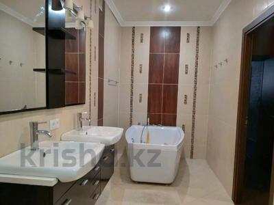 3-комнатная квартира, 85 м², 1/2 этаж, Жамбыла — Поспелова за 15 млн 〒 в Караганде, Казыбек би р-н — фото 17