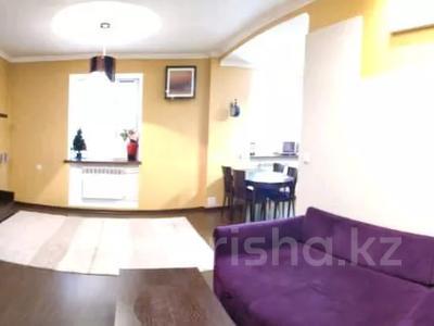 3-комнатная квартира, 85 м², 1/2 этаж, Жамбыла — Поспелова за 15 млн 〒 в Караганде, Казыбек би р-н — фото 20