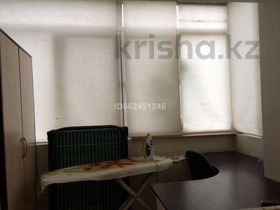 1-комнатная квартира, 34 м², 3/5 этаж помесячно, мкр Алмагуль, Басенова — Радостовца за 120 000 〒 в Алматы, Бостандыкский р-н — фото 7