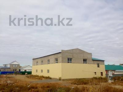 Здание, площадью 700 м², Попова — Архитектурная за 40 млн 〒 в Актобе — фото 3