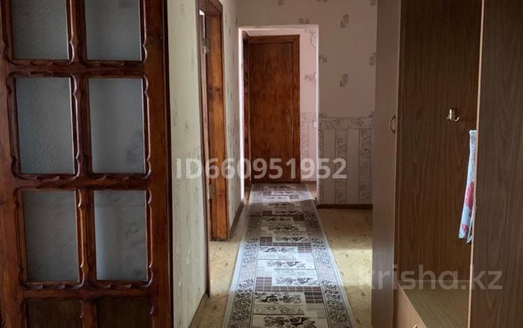 3-комнатная квартира, 100 м², 8/9 этаж помесячно, Первомайская 37 за 80 000 〒 в Семее