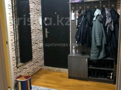 2-комнатная квартира, 52 м², 5/5 этаж, мкр Аксай-2 61 за 25 млн 〒 в Алматы, Ауэзовский р-н