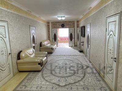 10-комнатный дом, 358 м², 10 сот., Хасанова 40 за 70 млн 〒 в Ракуше