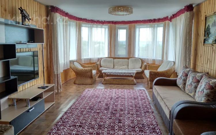 6-комнатный дом посуточно, 210 м², 10 сот., Набережная 36а за 80 000 〒 в Бурабае