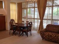 4-комнатная квартира, 214 м², 1 этаж помесячно