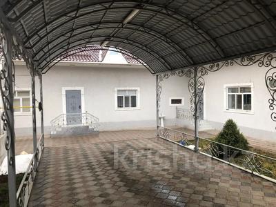 6-комнатный дом, 216 м², 6 сот., Черняховского 43 за 35 млн 〒 в Таразе — фото 15
