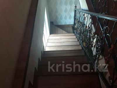 7-комнатный дом, 170 м², 4 сот., Мкр АйЖарык за 18.5 млн 〒 в Туздыбастау (Калинино)