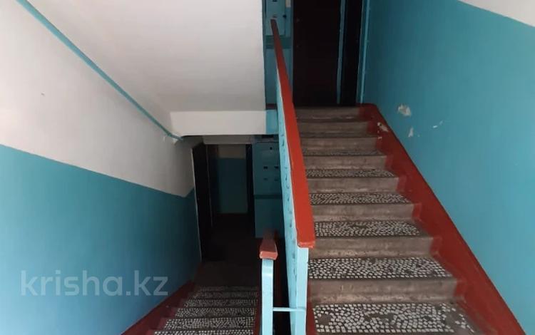 3-комнатная квартира, 65 м², 2/5 этаж, мкр Аксай-2А, Толе Би (Комсомольская) — Бауыржана Момышулы за 20.4 млн 〒 в Алматы, Ауэзовский р-н