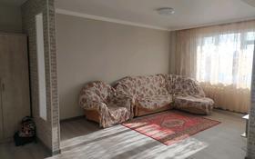 1-комнатная квартира, 49 м², 5/5 этаж помесячно, 8 мкр 13 за 80 000 〒 в Талдыкоргане