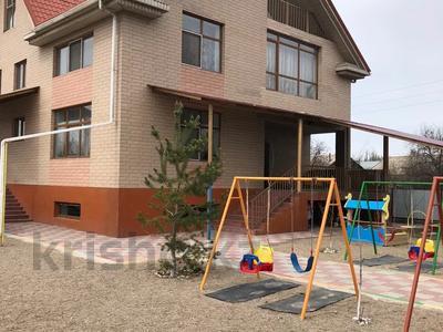 Здание, Лихошерствова 10 площадью 2000 м² за 999 999 〒 в Алматы
