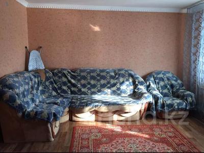 2-комнатная квартира, 60 м², 3/6 этаж, Мкр Болашак 129в — Болашак за ~ 10 млн 〒 в Актобе