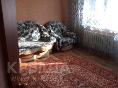 2-комнатная квартира, 60 м², 3/6 этаж, Мкр Болашак 129в — Болашак за ~ 10 млн 〒 в Актобе — фото 2