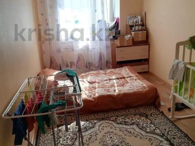2-комнатная квартира, 60 м², 3/6 этаж, Мкр Болашак 129в — Болашак за ~ 10 млн 〒 в Актобе — фото 3