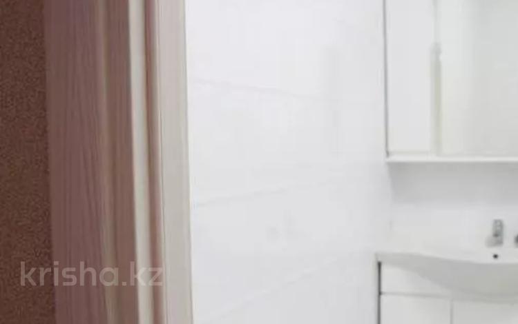 3-комнатная квартира, 150 м², 2/8 этаж помесячно, Ходжанова 10 за 450 000 〒 в Алматы, Бостандыкский р-н