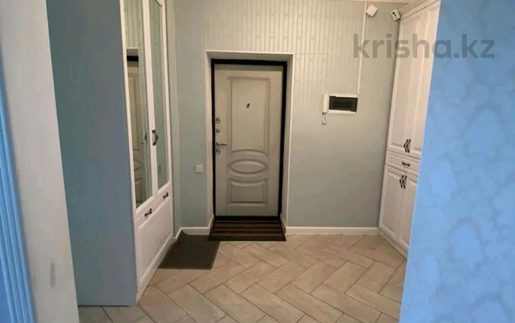 4-комнатная квартира, 90 м², 2/5 этаж, Казыбек би 146 за 27 млн 〒 в Таразе