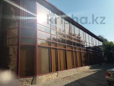 Здание, площадью 972 м², Ленина 10А за 650 млн 〒 в Караганде, Казыбек би р-н