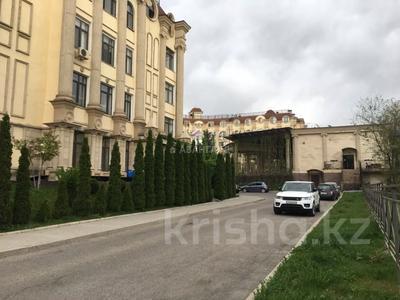 3-комнатная квартира, 100 м², мкр Юбилейный, Омаровой — Достык за 33.5 млн 〒 в Алматы, Медеуский р-н — фото 6