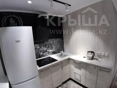 1-комнатная квартира, 35 м², 3/5 этаж посуточно, Академика Сатпаева 47 за 12 000 〒 в Павлодаре — фото 6