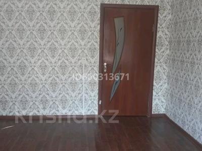 2-комнатная квартира, 35 м², 2/5 этаж помесячно, 10 мкр 30 за 40 000 〒 в Таразе