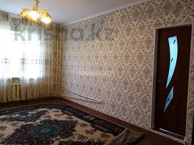 2-комнатная квартира, 35 м², 2/5 этаж помесячно, 10 мкр 30 за 40 000 〒 в Таразе — фото 10